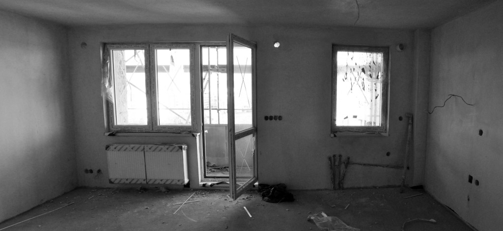 under construction livingroom